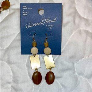 🐠 1 Pair of Nickel Free earrings Semi Precious🐠